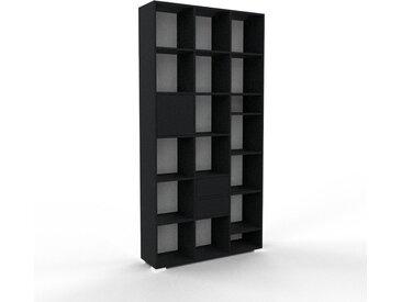 Hochschrank Weiß - Moderner Schrank: Schubladen in Schwarz & Türen in Schwarz - Hochwertige Materialien - 118 x 235 x 35 cm, konfigurierbar