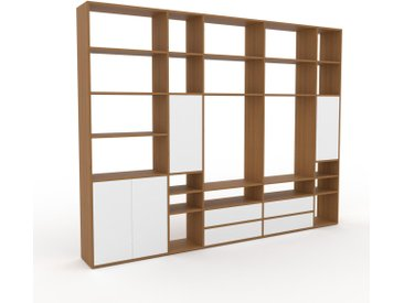 Holzregal Eiche - Modernes Regal aus Holz: Schubladen in Weiß & Türen in Weiß - 303 x 233 x 35 cm, Personalisierbar