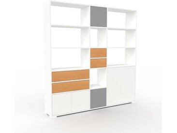 Wohnwand Weiß - Individuelle Designer-Regalwand: Schubladen in Buche & Türen in Weiß - Hochwertige Materialien - 190 x 196 x 35 cm, Konfigurator