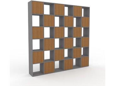 Wohnwand Eiche - Individuelle Designer-Regalwand: Türen in Eiche - Hochwertige Materialien - 233 x 233 x 35 cm, Konfigurator