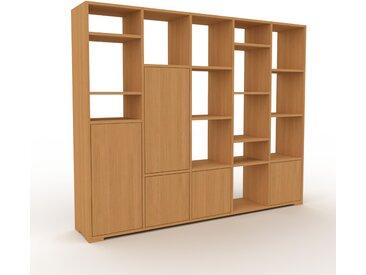 Wohnwand Eiche - Individuelle Designer-Regalwand: Türen in Eiche - Hochwertige Materialien - 195 x 158 x 35 cm, Konfigurator