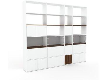 Vitrine Weiß - Moderne Glasvitrine: Schubladen in Weiß & Türen in Weiß - Hochwertige Materialien - 265 x 233 x 35 cm, konfigurierbar