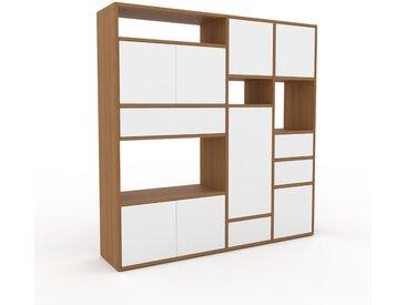 Schrankwand Eiche - Moderne Wohnwand: Schubladen in Weiß & Türen in Weiß - Hochwertige Materialien - 154 x 157 x 35 cm, Konfigurator