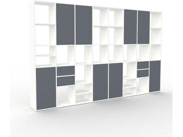 Wohnwand Weiß - Individuelle Designer-Regalwand: Schubladen in Anthrazit & Türen in Anthrazit - Hochwertige Materialien - 310 x 195 x 35 cm, Konfigurator