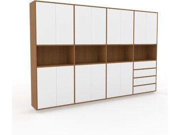 Schrankwand Eiche - Moderne Wohnwand: Schubladen in Weiß & Türen in Weiß - Hochwertige Materialien - 301 x 200 x 35 cm, Konfigurator