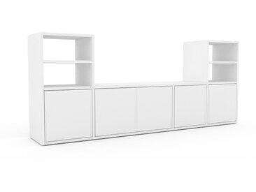 Wohnwand Weiß - Individuelle Designer-Regalwand: Türen in Weiß - Hochwertige Materialien - 193 x 80 x 35 cm, Konfigurator