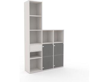Vitrine Weiß - Moderne Glasvitrine: Schubladen in Weiß & Türen in Kristallglas satiniert - Hochwertige Materialien - 118 x 195 x 35 cm, konfigurierbar