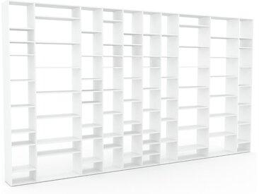 Bibliotheksregal Weiß - Individuelles Regal für Bibliothek: Einzigartiges Design - 496 x 272 x 35 cm, konfigurierbar