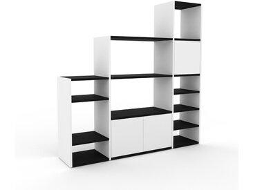 Regalsystem Weiß - Flexibles Regalsystem: Türen in Weiß - Hochwertige Materialien - 154 x 157 x 35 cm, Komplett anpassbar