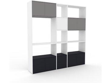 Wohnwand Weiß - Individuelle Designer-Regalwand: Türen in Anthrazit - Hochwertige Materialien - 190 x 195 x 35 cm, Konfigurator