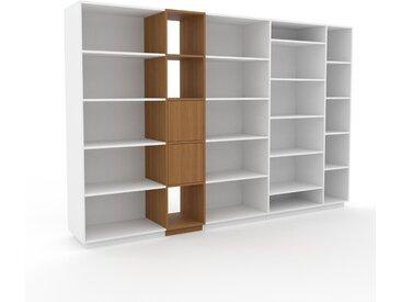 Regalsystem Weiß - Flexibles Regalsystem: Türen in Eiche - Hochwertige Materialien - 303 x 200 x 47 cm, Komplett anpassbar