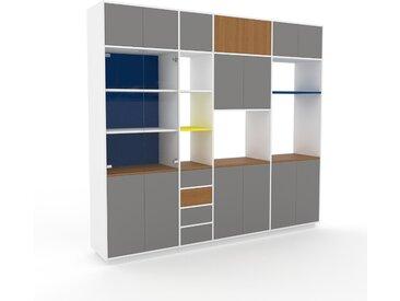 Vitrine Grau - Moderne Glasvitrine: Schubladen in Grau & Türen in Grau - Hochwertige Materialien - 265 x 239 x 47 cm, konfigurierbar