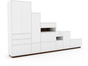 Schrankwand Weiß - Moderne Wohnwand: Schubladen in Weiß & Türen in Weiß - Hochwertige Materialien - 342 x 200 x 47 cm, Konfigurator