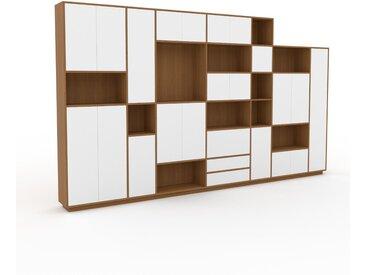 Wohnwand Weiß - Individuelle Designer-Regalwand: Schubladen in Weiß & Türen in Weiß - Hochwertige Materialien - 416 x 239 x 35 cm, Konfigurator