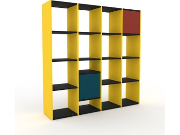 Bücherregal Gelb - Modernes Regal für Bücher: Türen in Blaugrün - 156 x 157 x 35 cm, Individuell konfigurierbar