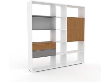 Aktenregal Weiß - Büroregal: Schubladen in Grau & Türen in Eiche - Hochwertige Materialien - 190 x 196 x 35 cm, konfigurierbar