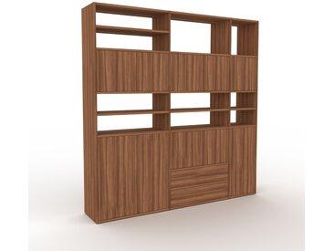 Wohnwand Nussbaum - Individuelle Designer-Regalwand: Schubladen in Nussbaum & Türen in Nussbaum - Hochwertige Materialien - 190 x 195 x 35 cm, Konfigurator