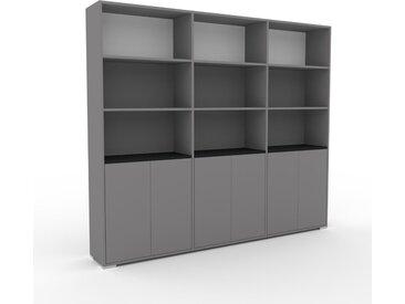 Schrankwand Grau - Moderne Wohnwand: Türen in Grau - Hochwertige Materialien - 226 x 196 x 35 cm, Konfigurator