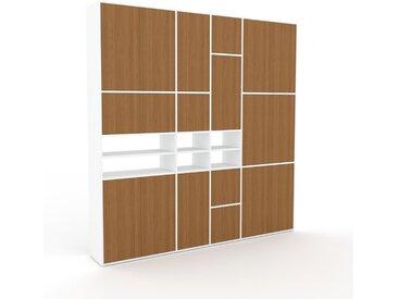 Schrankwand Eiche - Moderne Wohnwand: Türen in Eiche - Hochwertige Materialien - 229 x 233 x 35 cm, Konfigurator