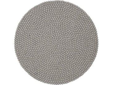 Handgefertigter Teppich Luis aus Schaffell in Hellgrau