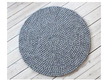 Handgefertigter Teppich Fuente in Grau