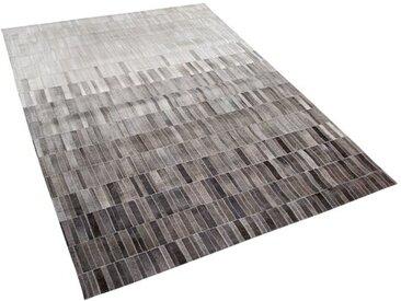 Handgefertigter Teppich Sheri aus Kuhfell in Grau