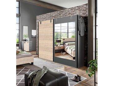 Schwebetürenschrank in Silber Tanne-Nachbildung, Absetzungen in graphit, Spiegelfläche, 2 Böden und 2 Kleiderstangen, Maße: B/H/T ca. 225/210/65 cm