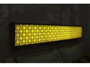 Lichtwand INMITTN Origamikunst aus Leipzig 180x27,5 Fichte lackiert