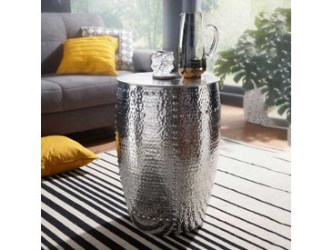 Couch Beistelltisch aus Aluminium Hammerschlag Optik