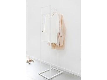 Design Kleiderständer aus Metall. Hochwertiger Garderobenständer aus Metall mit matt weißem Gestell.