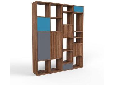 Holzregal Nussbaum - Modernes Regal aus Holz: Schubladen in Anthrazit & Türen in Nussbaum - 156 x 195 x 35 cm, Personalisierbar