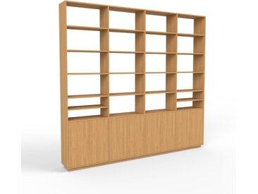 Holzregal Eiche - Skandinavisches Regal aus Holz: Türen in Eiche - 301 x 277 x 35 cm, Personalisierbar