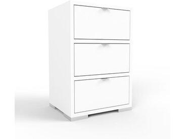 Nachtschrank Weiß - Eleganter Nachtschrank: Schubladen in Weiß - Hochwertige Materialien - 41 x 62 x 35 cm, konfigurierbar