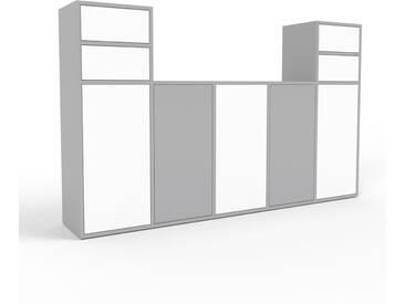 TV-Schrank Grau - Fernsehschrank: Schubladen in Weiß & Türen in Weiß - 195 x 118 x 35 cm, konfigurierbar