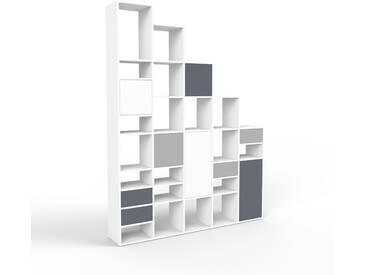 Bücherregal Weiß - Modernes Regal für Bücher: Schubladen in Anthrazit & Türen in Weiß - 195 x 253 x 35 cm, konfigurierbar