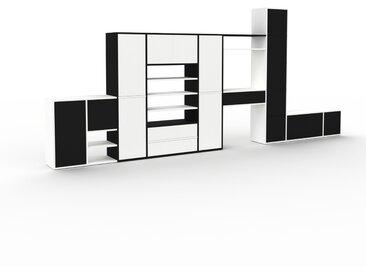 Regalsystem Weiß - Regalsystem: Schubladen in Weiß & Türen in Schwarz - Hochwertige Materialien - 457 x 195 x 35 cm, konfigurierbar