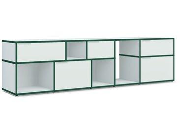 Konfigurierbare Kommode mit Türen. Aus Spanplatte in Grün.