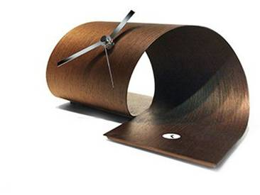 Design-Tischuhr  Loop  in drei verschiedenen Farben