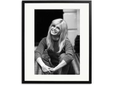 Brigit Bardot in London Schwarz Weiß Foto eingerahmt