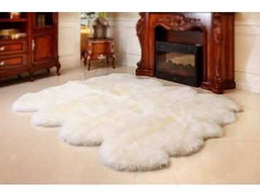 Teppich aus Schaffell in Elfenbein