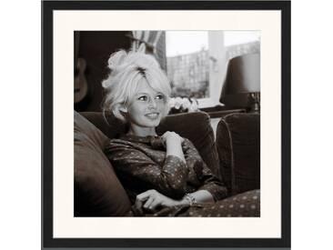 Gerahmtes Poster Junge Brigitte Bardot