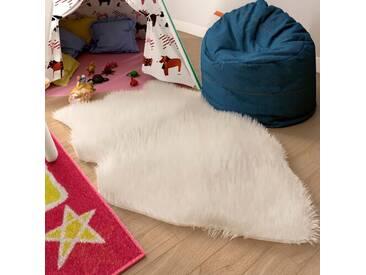 Handgefertigter Teppich Keira aus Schaffell in Weiß