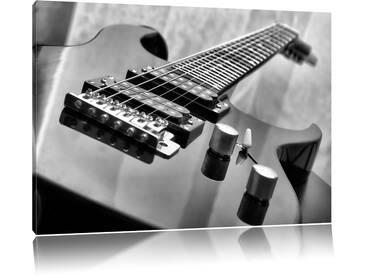 Leinwandbild Black Guitar, Nahaufnahme Gitarre in Monochrom