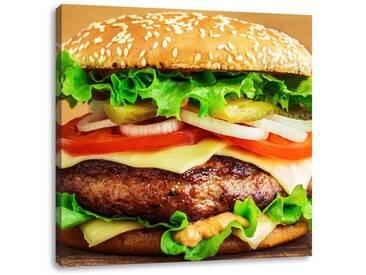 LeinwandbildKöstlicher Burger auf Holztisch