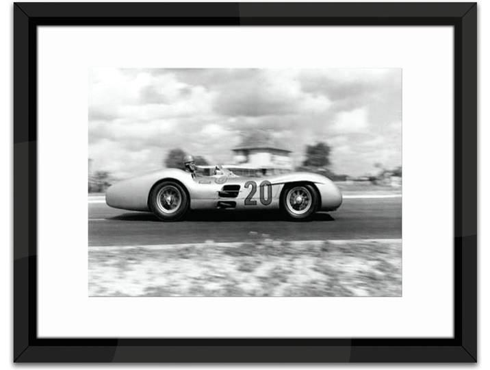 The Grand Prix IIII Framed Photographic Print Weiß