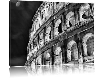 Leinwandbild Amphitheater in Rom bei Nacht in Monochrom