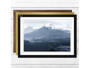Gerahmter Fotodruck Landscape Guatemala Volcano 2