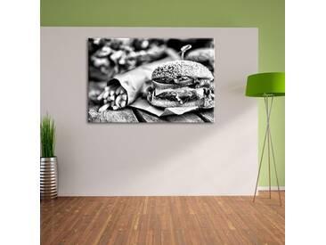 Leinwandbild Leckerer Burger und Pommes in Monochrom