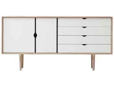 Andersen Furniture - S6 Sideboard, Eiche geseift / Fronten alpino (weiß)