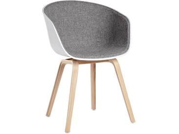 Hay AAC22 Gepolsteter Stuhl Mit Geseiftem Eichenuntergestell, Sitzschale Weiß, Hallingdal 130